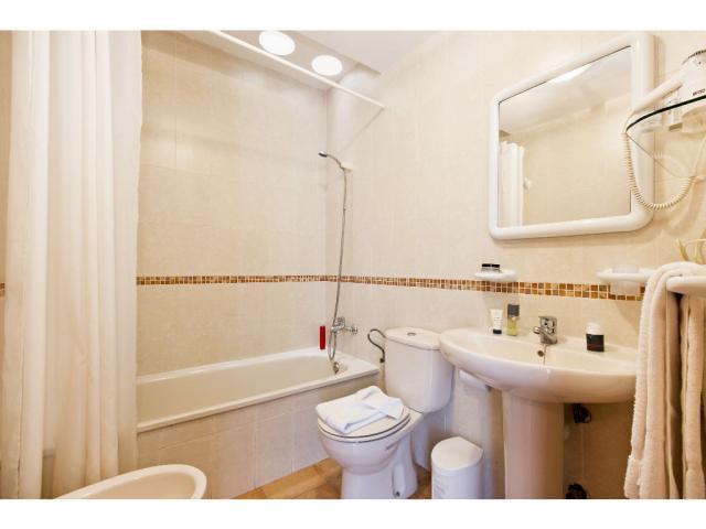 Bathroom - Villas del Sol, Corralejo, Fuerteventura